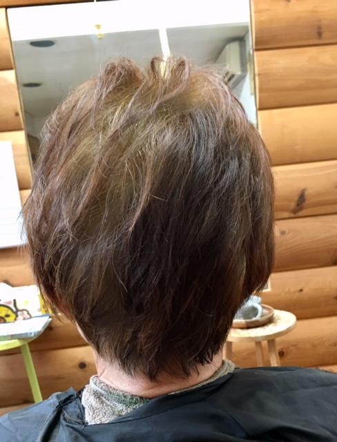 薄い癖毛でもキュビズムカットとヘナで素敵になります
